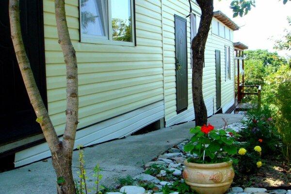 Гостевой дом, Греческая улица, 30 на 3 номера - Фотография 1