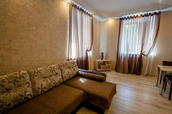 1-комн. квартира, 18 кв.м. на 2 человека, улица Челюскинцев, 9, Курск - Фотография 1