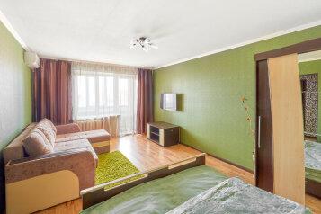 1-комн. квартира, 45 кв.м. на 4 человека, улица Карельцева, Курган - Фотография 1