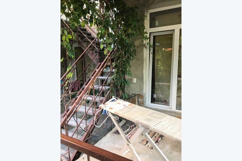 """Гостевой дом """"Лев на солнце"""", Юго-Западная улица, 21 на 8 комнат - Фотография 13"""