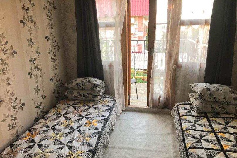 """Гостевой дом """"Лев на солнце"""", Юго-Западная улица, 21 на 8 комнат - Фотография 34"""