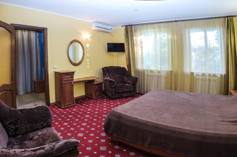 """Мини-отель """"Изумрудный"""", Революционная улица, 136А на 17 номеров - Фотография 11"""