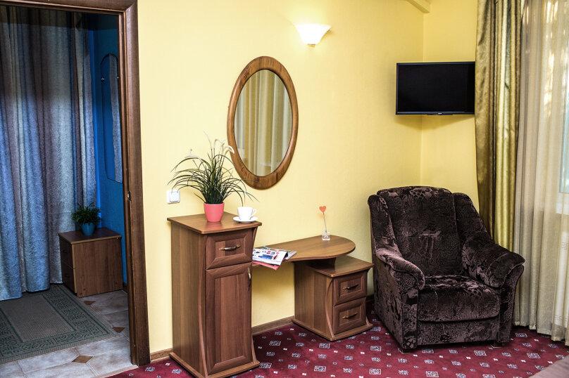 """Мини-отель """"Изумрудный"""", Революционная улица, 136А на 17 номеров - Фотография 13"""