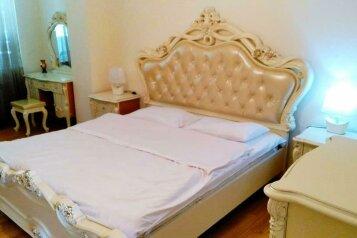 4-комн. квартира, 180 кв.м. на 8 человек, улица Нино Жвания, Тбилиси - Фотография 2