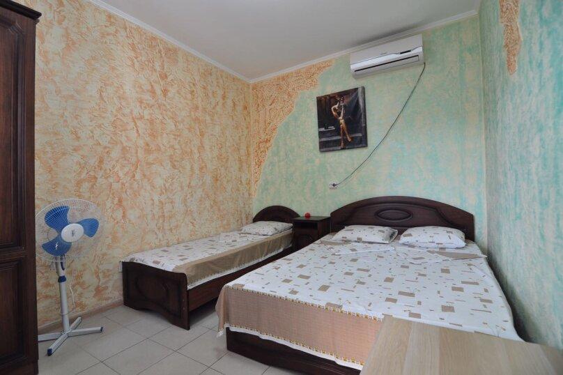 Гостевой дом Джули, Черноморская улица, 150 на 22 комнаты - Фотография 17
