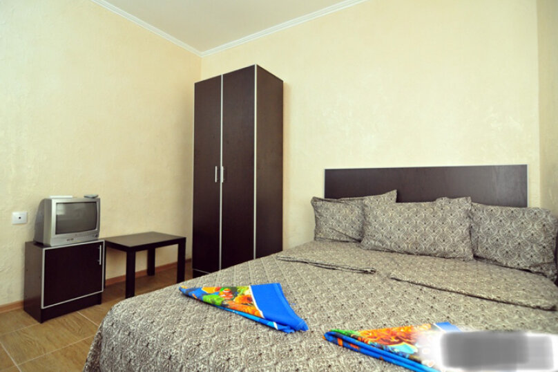 Гостевой дом Джули, Черноморская улица, 150 на 22 комнаты - Фотография 26
