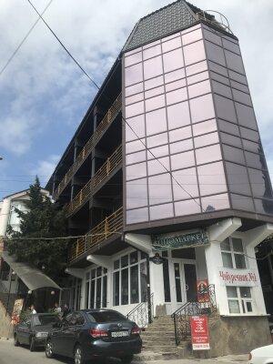 Отель, улица Горького, 2А на 18 номеров - Фотография 1