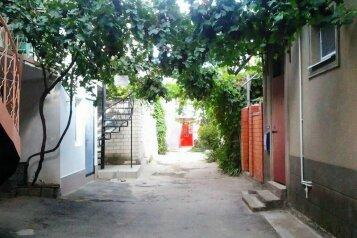 Номера в частном секторе , Крепостная улица на 4 номера - Фотография 1