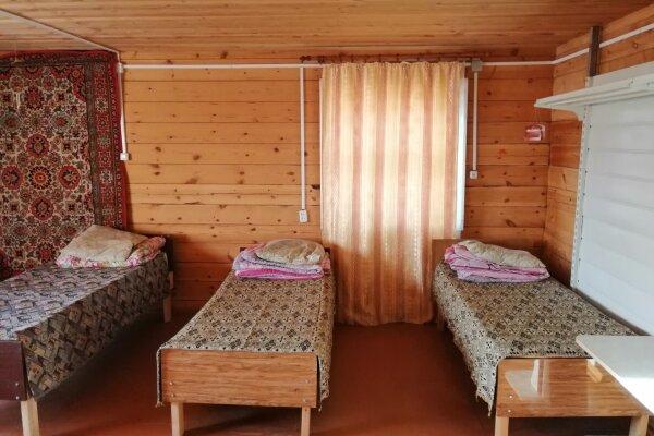Гостевые дома для отдыха на Байкале,, дер. Сарма, ул. Менделеева на 3 номера - Фотография 1
