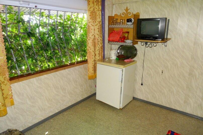 """Гостевой дом """"Царство зеленой прохлады"""", Лучистая, 1 на 4 комнаты - Фотография 17"""