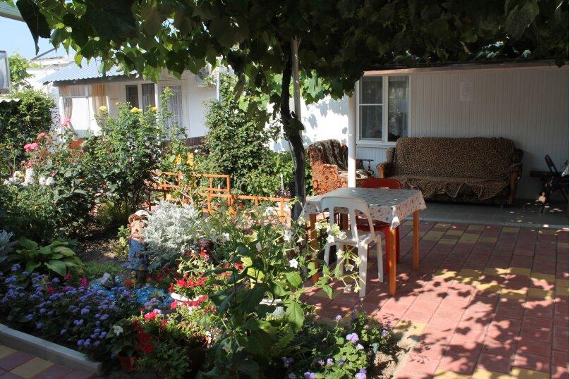 Гостевой дом Черномор, Черноморская улица, 123 на 8 комнат - Фотография 1
