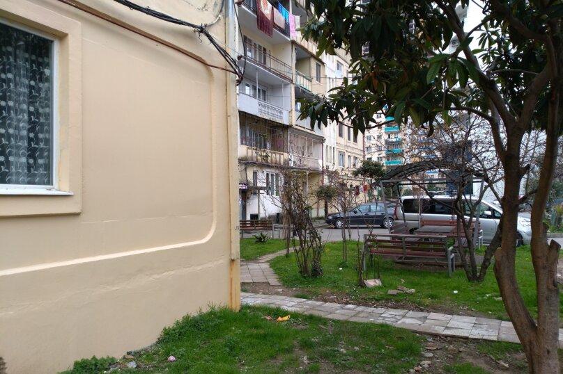 3-комн. квартира, 60 кв.м. на 6 человек, улица Шерифа Химшиашвили, 17, Батуми - Фотография 22
