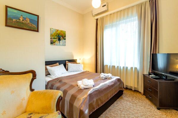 Отель V Park, Дарьяльский переулок, 11 на 4 номера - Фотография 1