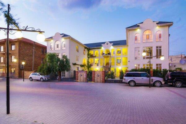 """Мини-отель """"VIP"""", Приморская улица, 14 на 3 номера - Фотография 1"""