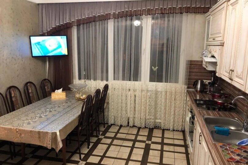 3-комн. квартира, 100 кв.м. на 8 человек, Православная улица, 7, Адлер - Фотография 1