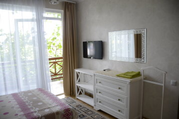 Гостевой дом, улица Саранчева, 14 на 5 номеров - Фотография 1