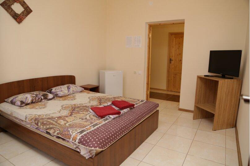 Двухместный номер на 1м этаже, село Лдзаа, улица Агрба, 55, Пицунда - Фотография 1