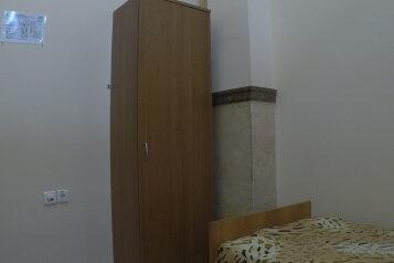 Спальное место в двухместном номере:  Койко-место, 1-местный, Хостел, улица Горького на 9 номеров - Фотография 3