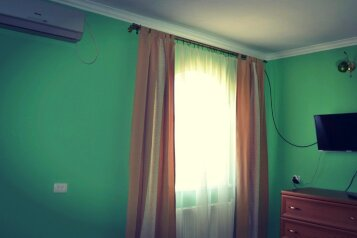 Комнаты под ключ в частном доме, улица Людмилы Бобковой, 1/7 на 5 номеров - Фотография 4
