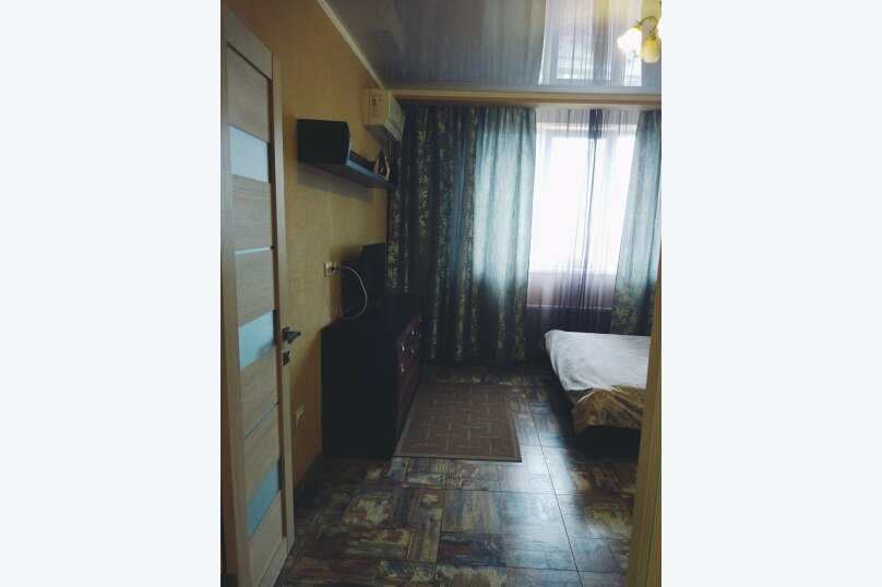 2-комн. квартира, 56 кв.м. на 5 человек, улица Филатова, 19, Краснодар - Фотография 2