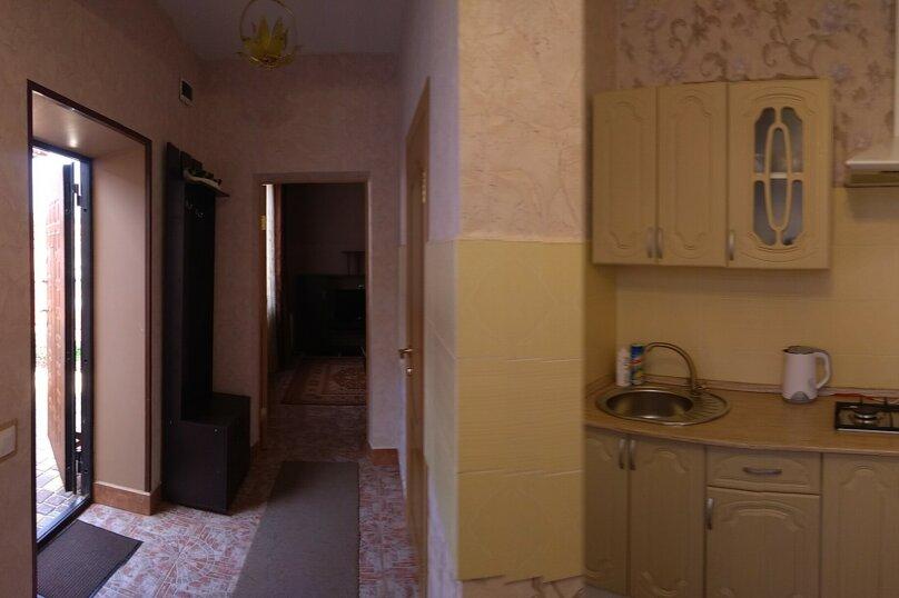 Дом, 30 кв.м. на 4 человека, 1 спальня, 6 линия, 215, Севастополь - Фотография 2