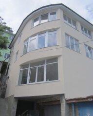 2-комн. квартира, 70 кв.м. на 4 человека, улица Тимирязева, Ялта - Фотография 1