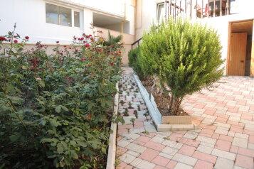 Коттедж, 120 кв.м. на 8 человек, 3 спальни, Лесная улица, 11А, Гаспра - Фотография 2