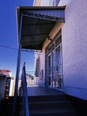 Гостевой дом , Черноморская улица, 10 на 17 номеров - Фотография 2