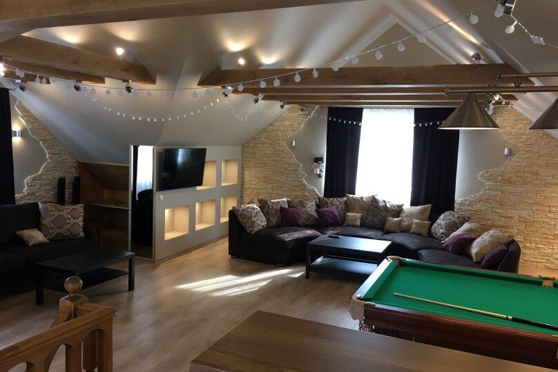 Трёхэтажный коттедж, 300 кв.м. на 10 человек, 4 спальни, деревня Юшково, Новоладожская улица, 55А, Новая Ладога - Фотография 1