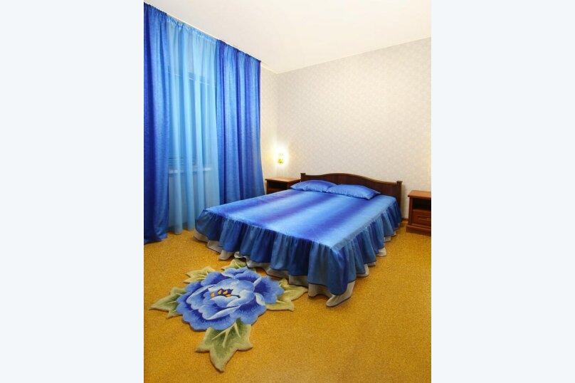 9) 2-комнатный 4-местный «Люкс», балкон, вид на море - 2 этаж, №№ 27, 28, Набережная, 64-а, село Курортное - Фотография 1