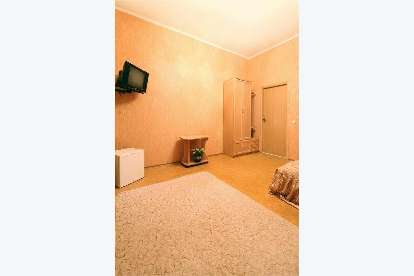 10) 2-комнатный 6-местный - 2 этаж, над магазином, № 31, Набережная, 64-а, село Курортное - Фотография 1