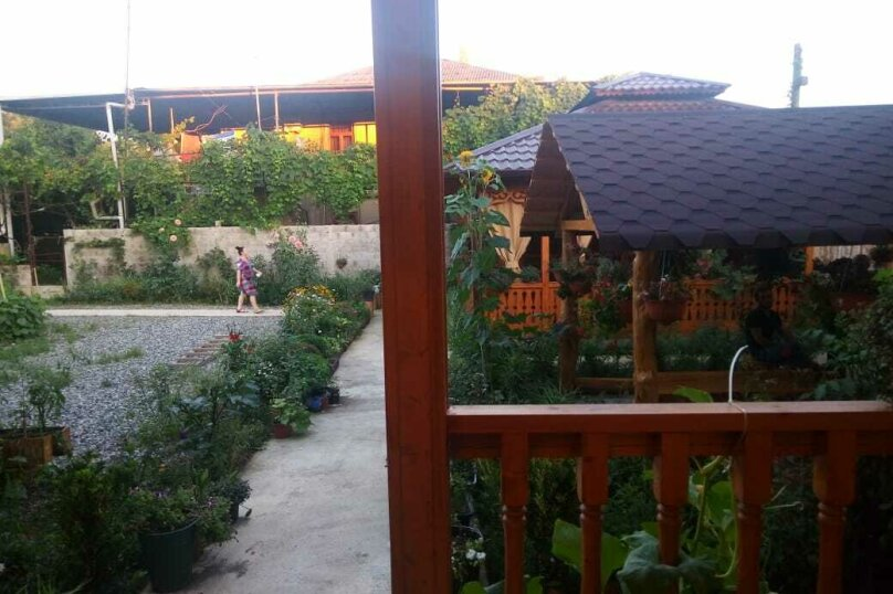 "Мини-гостиница ""Абхазский дворик"", улица Демерджипа, 84 на 5 комнат - Фотография 37"