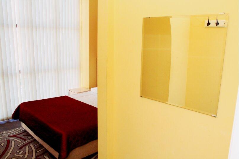 Бюджетный двухместный номер с 1 кроватью и общей ванной комнатой, Северная улица, 324Г, Краснодар - Фотография 3