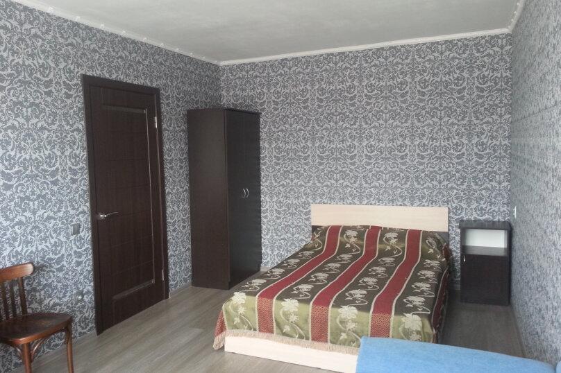 1-комн. квартира, 30 кв.м. на 3 человека, бульвар Старшинова, 4, Феодосия - Фотография 1