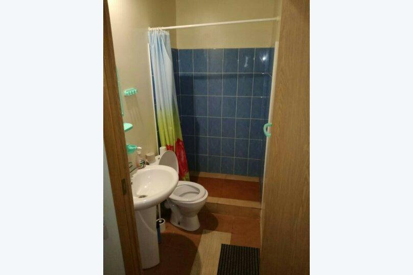 Комфорт  3-х местный, с двуспальной кроватью и диваном., Рыбзаводская, 42а, Пицунда - Фотография 4