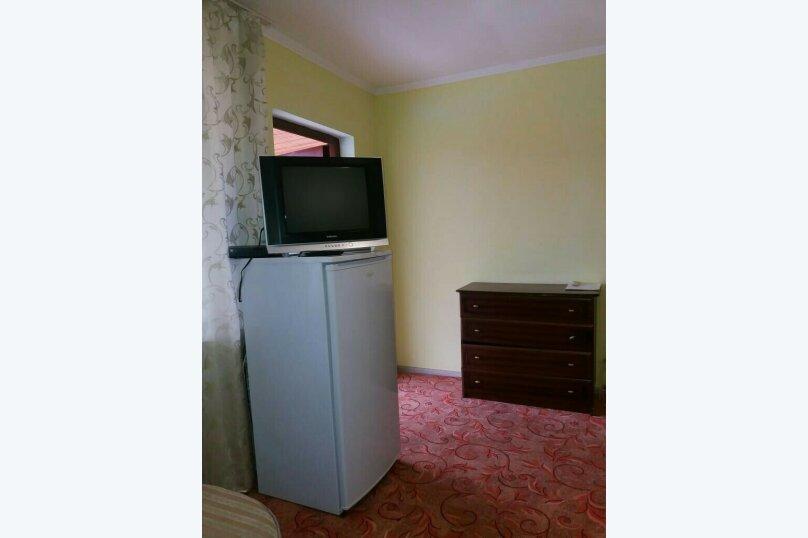 Комфорт  3-х местный, с двуспальной кроватью и диваном., Рыбзаводская, 42а, Пицунда - Фотография 5