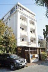 """Отель """"Elegant"""", улица Богдана Хмельницкого, 52А на 23 номера - Фотография 1"""