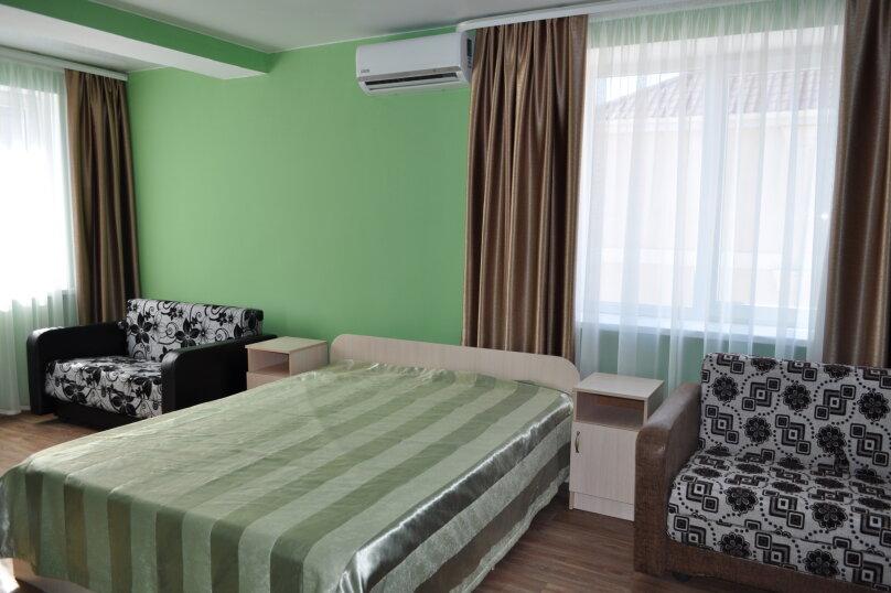 большая комната-студия первый этаж, СТ Риф-2, ул. Людмиды Бобковой, 74а, Севастополь - Фотография 1