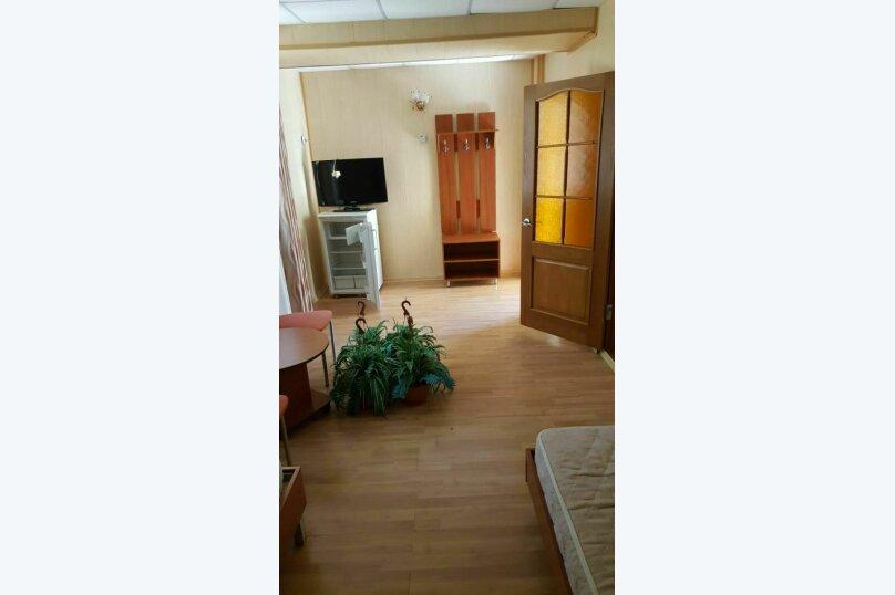 1.1,1.2  Полулюкс 2-х комнатный  4-х местный  с доп.местом, улица Циолковского, 42, Геленджик - Фотография 1