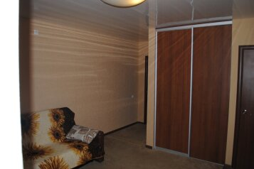 Номер люкс на 2 этаже:  Номер, Люкс, 4-местный (2 основных + 2 доп), 2-комнатный, Гостевой дом, Рабочая улица на 16 номеров - Фотография 4
