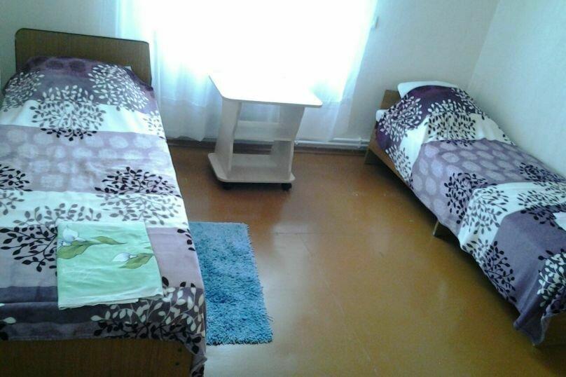 Комната-эконом, Строительная улица, 18, Витязево - Фотография 1