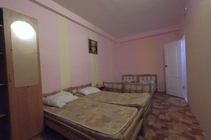 четырех местный 1-й этаж, улица Майора Витязя, 24, Витязево - Фотография 3