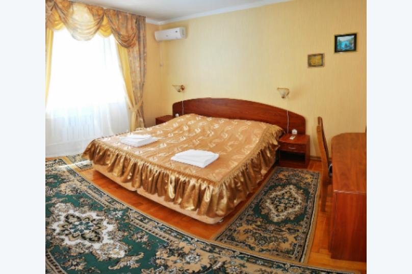 Семейный двухкомнатный 1-й корпус , Горный переулок, 2, Витязево - Фотография 1