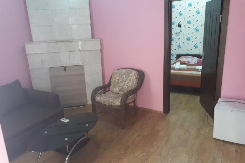 """Отель """"Light House"""", улица Александра Казбеги, 4 на 16 номеров - Фотография 13"""