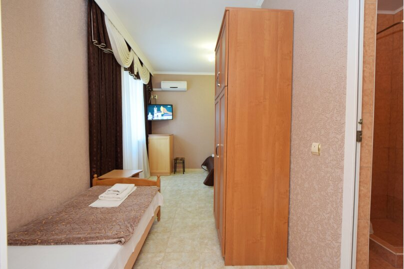 "Гостиница ""Натела"", Приветливая улица, 23 на 10 комнат - Фотография 12"