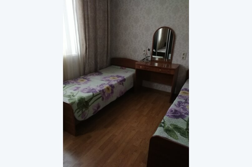 Буджетный 2х местный номер с раздельными кроватями , улица Просвещения, 107А, Адлер - Фотография 1