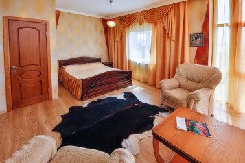 """Гостевой дом """"На Ялтинской 2"""", Ялтинская улица, 2 на 12 комнат - Фотография 1"""