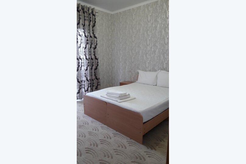 Гостиница 930143, улица Леселидзе, 17 на 5 комнат - Фотография 2