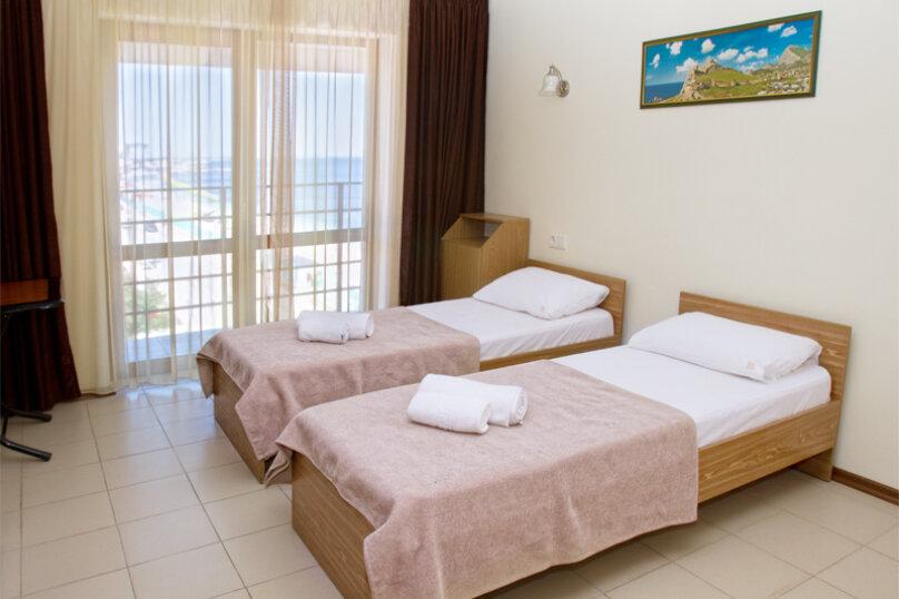 Номера стандарт с балконом, Черноморская набережная, 22А, Феодосия - Фотография 1