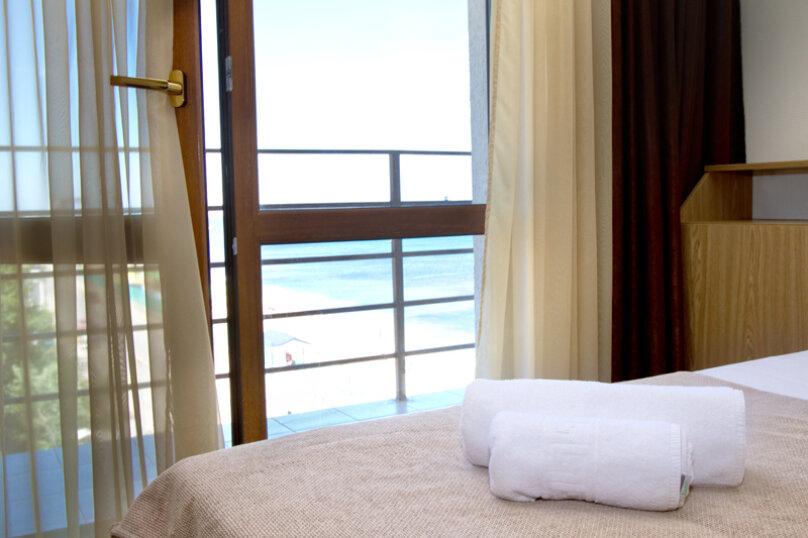 Номера стандарт с балконом, Черноморская набережная, 22А, Феодосия - Фотография 5